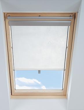 ovenlys gardiner VELUX Gardiner   26% Rabat på Originale VELUX Gardiner   VELUX Gardin ovenlys gardiner